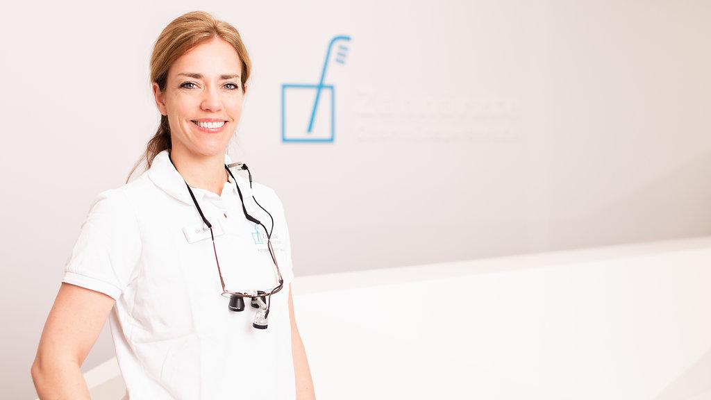 Dr. Katrin Böhm von den Zahnärzten Obermünsterstraße in Regensburg